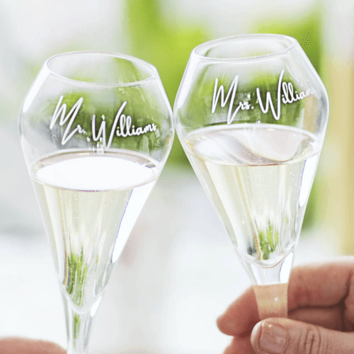 an image of a personalised tulip champagne flute set for couples