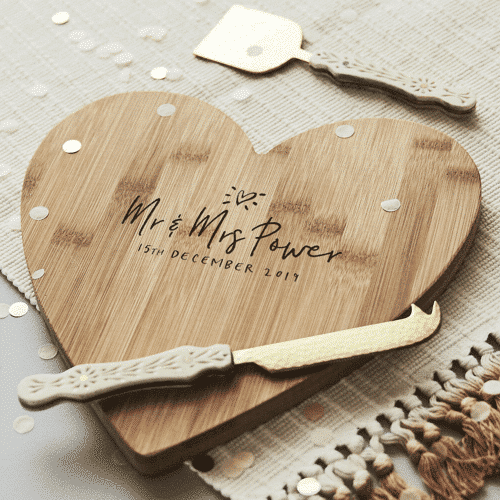 an image of a personalised wooden chopping board