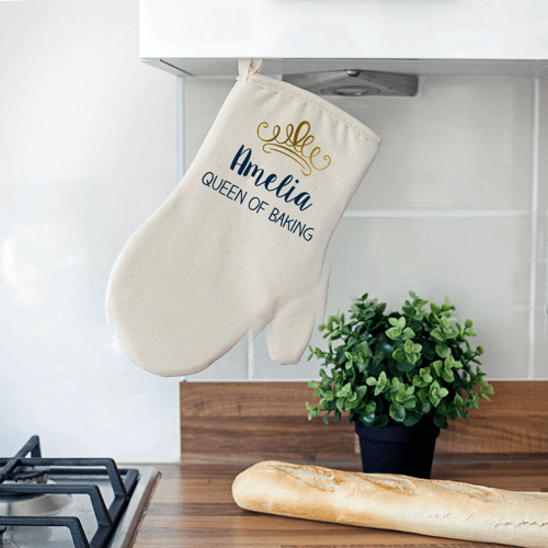 an image of a personalised oven mitt - one of our personalised baking gifts ideas