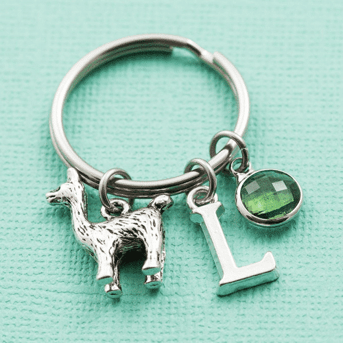 an image of a personalised llama keychain - one of our personalised llama gifts ideas